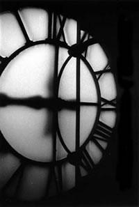 Instrucciones para dar cuerda al reloj